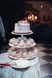 Tort weselny z monoporcji