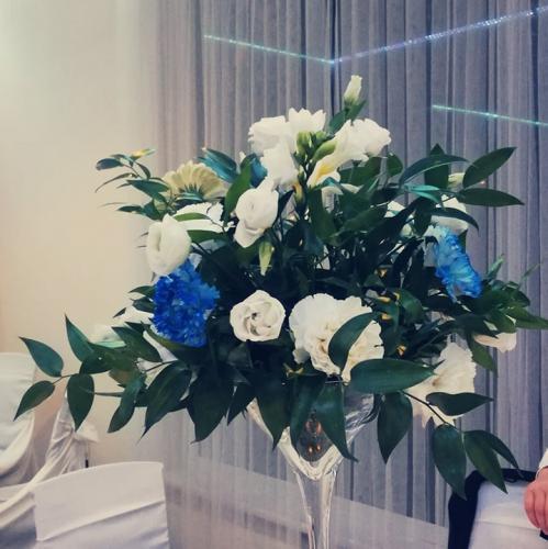 bukiet kwiatów na wesele